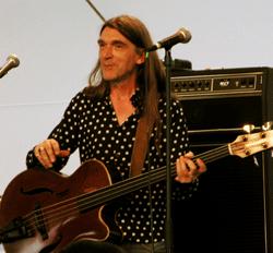 Gilles Michel, Basse